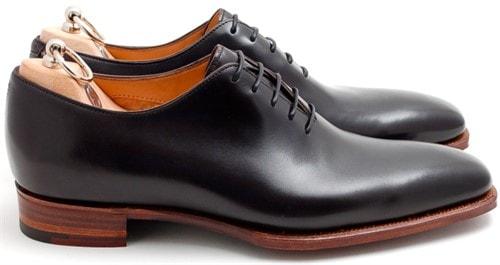 62d399a3e8c ... лидеров по производству мужских туфель. Сочетание современного дизайна  и классических элементов обшивки добавляют обуви изысканности и чувство  вкуса.